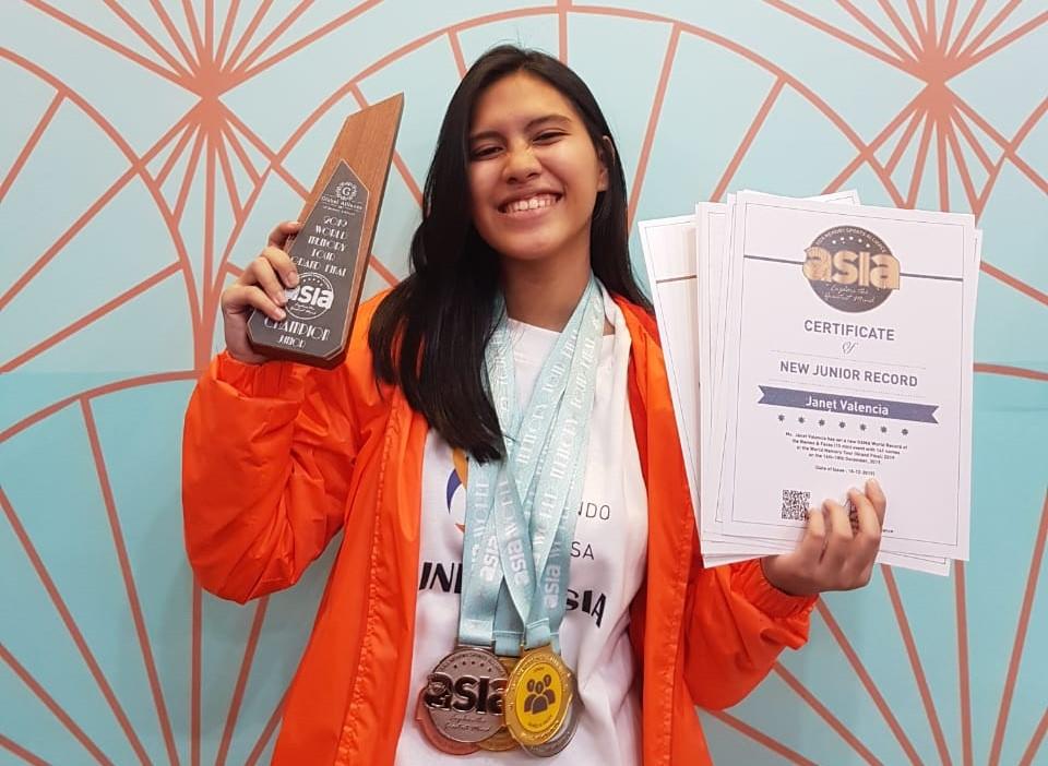 Janet Valencia Dema, Harumkan Nama Indonesia