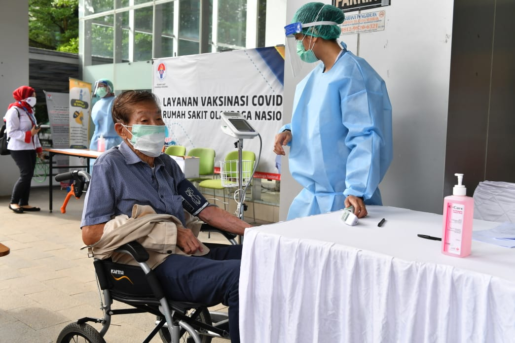 Vaksinasi Covid-19 di Kemenpora Disambut Positif dari Legenda Olahraga Indonesia