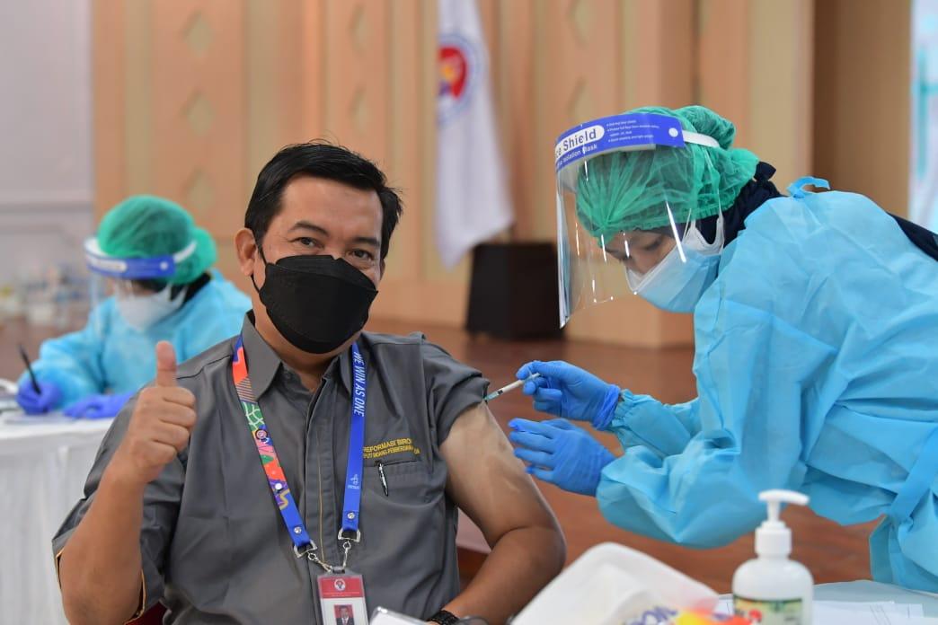 Vaksinasi Covid-19 Tahap Kedua Kemenpora Berjalan Lancar dan Disambut Antusias Pegawai
