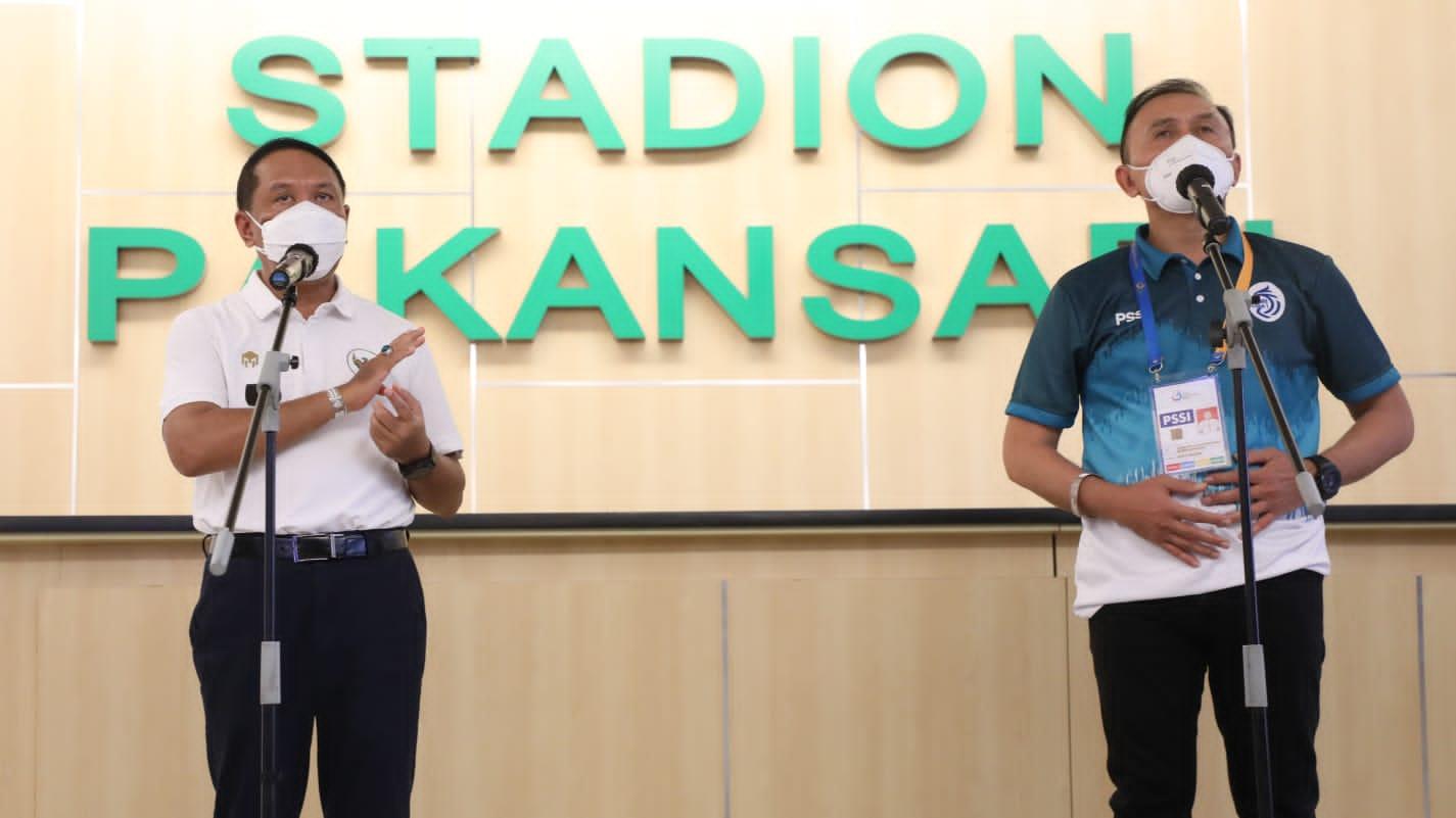 Liga 1 Berjalan Tertib, Menpora Amali: Terima Kasih Suporter Tidak Datang ke Stadion dan Nonton di Rumah
