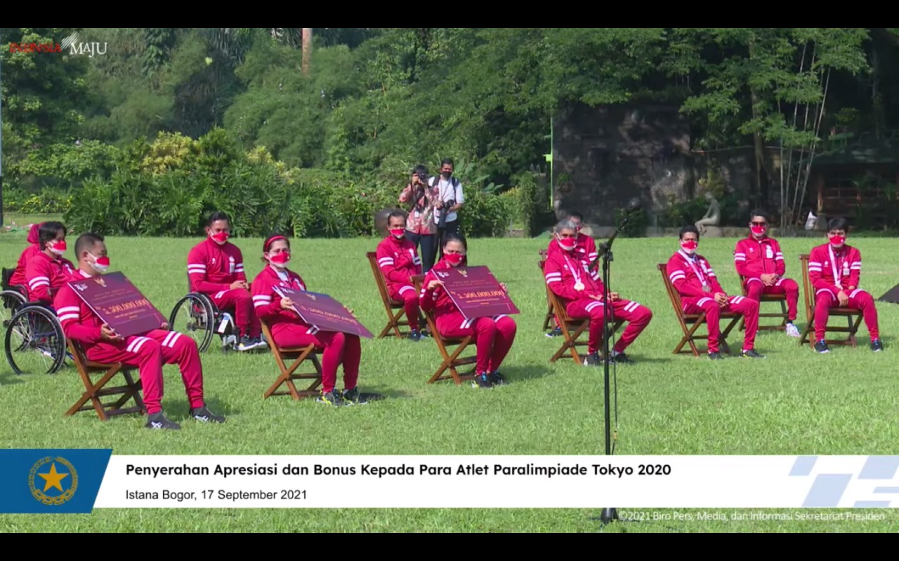 Diserahkan Presiden Jokowi, Bonus Atlet Paralimpiade Nilainya sama dengan Atlet Olimpiade