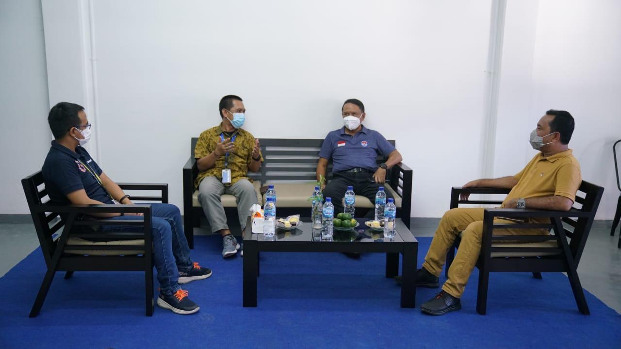 Menpora Amali Berkunjung ke Kantor Tribun-papua.com