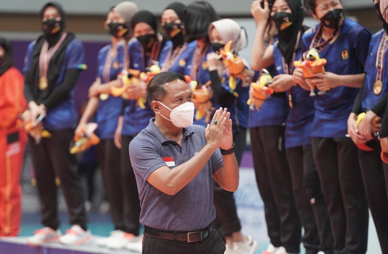 Manfaatkan Venue Pasca-PON, Menpora Amali Ingin PBVSI Gelar Kejuaraan di GOR Indoor Koya Koso