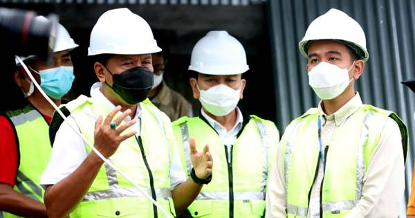 Diajak Walikota Solo Tinjau GOR Manahan, Menpora Amali Apresiasi Pembangunan GOR Berstandar Internasional